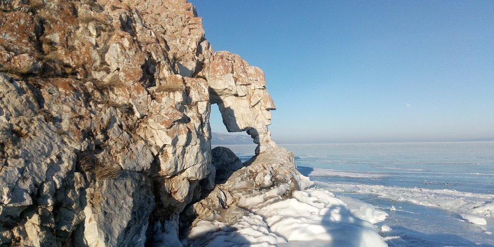 Lake Baikal. Ise winter.