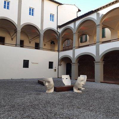 Loggiati di San Domenico di fronte alla Biblioteca