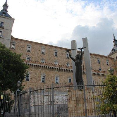 Monumento a la Gesta del Alcazar