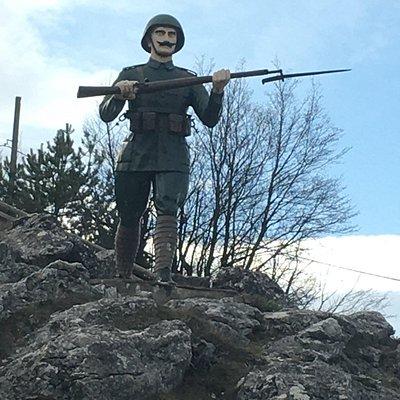 Άγαλμα στρατιώτη. Μεγάλο μέγεθος.