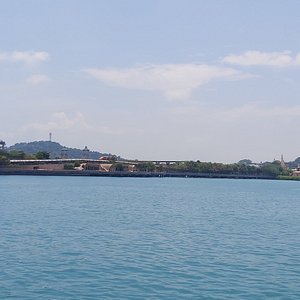 View around Keppel Harbour