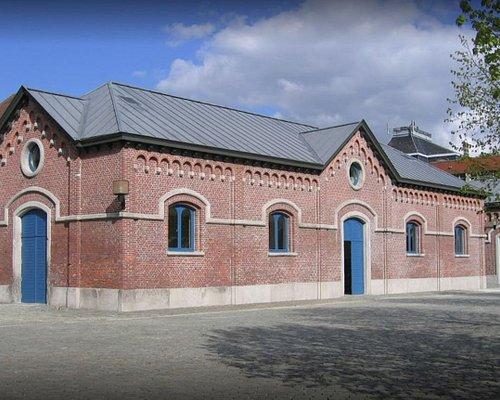 Bâtiment principal de BeCraft, situé dans ce qui servait anciennement d'étable aux abattoirs.
