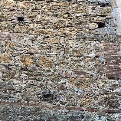 Particolari edilizi delle mura ....