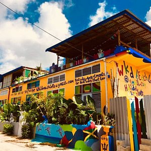 coloUrful beAch LOFTS for reNt