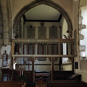 2.  The Dering Chapel in Pluckley Church