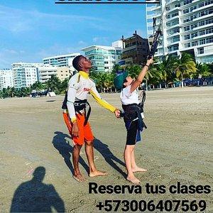 Queremos que aprendas kitesurf de la mejor forma ven y aprende con nosotros. Reserva tus clases ya 📞+573006407569