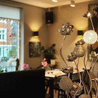 Prøv vores hyggelige restaurant, hvor stemningen og serviceniveauet er helt i top