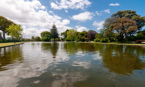 The King Edward Park just cross the road of The Park Motel Playground and lake view perfect for family travellers