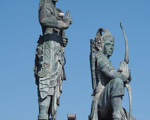 Statues of Rama and Lakshmana