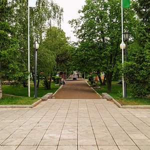Монумент первооткрывателям Башкирской нефти, Ишимбай.