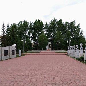 """Мемориальный комплекс """"Вечный огонь"""", Ишимбай."""