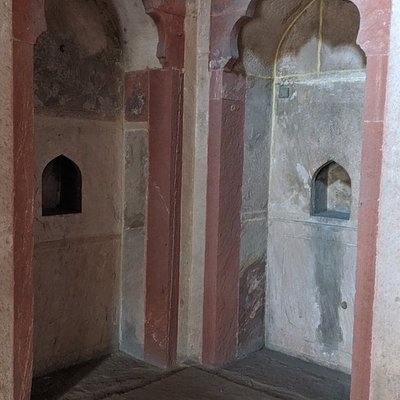 Lal Bangla Mausoleums
