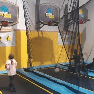 Trampoline Park Let's Jump