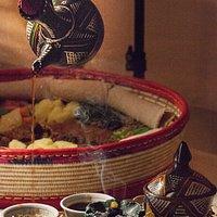 Genießen Sie Ihren Abend im Yenat mit leckerem Injera und traditionellem äthiopischen Kaffee!