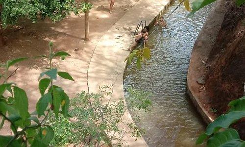 Canal da barragem