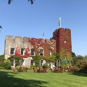 A view of the Castle from the South lawn.
