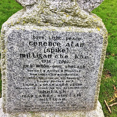3.  Spike Milligan's Grave, The Parish Church o St Thomas the Martyr, Winchelsea, East Sussex