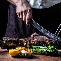 SIDECUT Modern Steak restaurant brings some of the best steakhouse culinary talent from the Four Seasons.