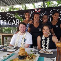 "Raewyn & Loki arrive in Fiji ""Welcome"" home xxx"