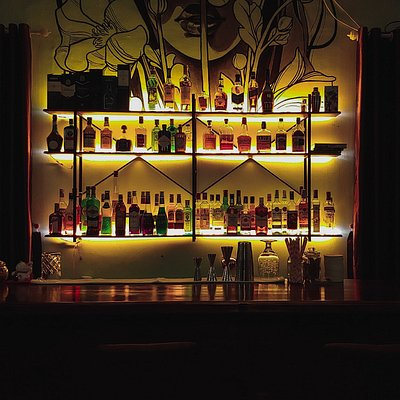 Quầy bar đa dạng để khách hàng thưởng thức! Không khí yên bình!