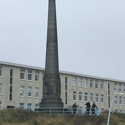 Monument voor de aankomst van Willem I op het strand.