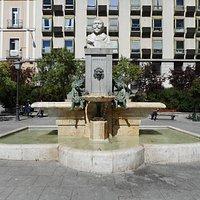 Monument Vasquez De Mella