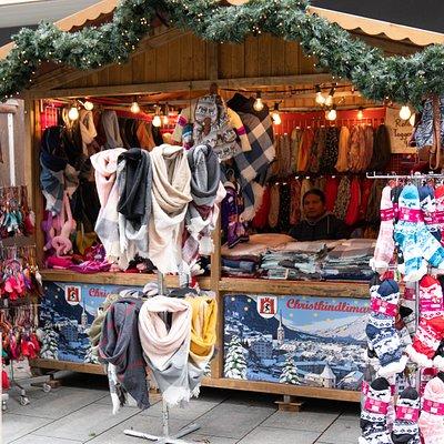 Socken und Schals am Christkindlimarkt