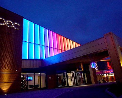 The OEC, Sheffield's dedicated events and conferencing venue for up to 500 guests complete with custom coloured lighting to match your event.
