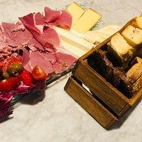 Pães, queijos e embutidos