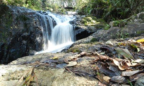 Cachoeira, pequena, mas agradável.