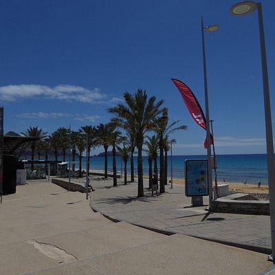 Die Promenade am Praia da Fontinha / Inselhauptstadt Vila Baleira