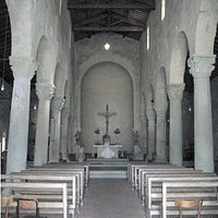 The central nave of the church of San Martino