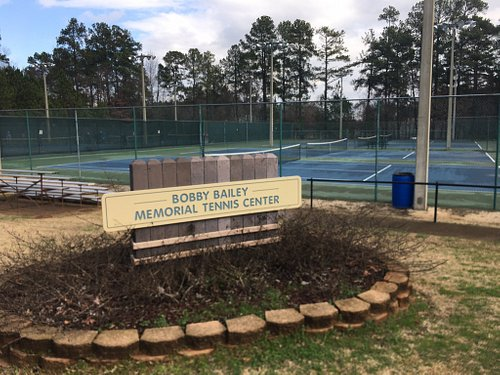 The Bobby Bailey Tennis Center (12 lighted tennis courts)