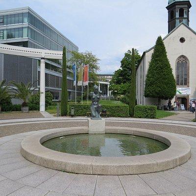 Площадь перед Больничной церковью