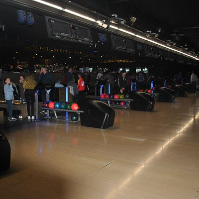 familiebowling, georganiseerd door de de lokale bowlingclub met 66 leden.