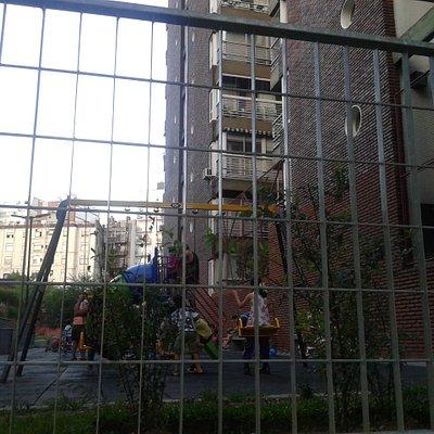 Plaza Jacarandà: Juegos Infantiles- Barrio Palermo- Bs.As. 2020.