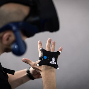 We track your whole body with the lastest optical tracking solution. This way you get to have your own body in VR. Its a very unique experience.
