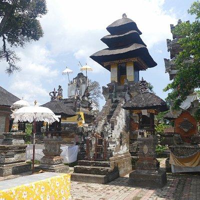 Pura Samuan Tiga Temple