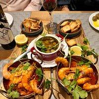 Garlic shrimp and garlic mushrooms. Portuguese tapas.