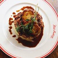 Confit de canard en parmentier et foie gras poêlé