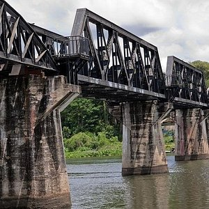 Private Tour: Thai–Burma Death Railway Bridge on the River Kwai from Bangkok