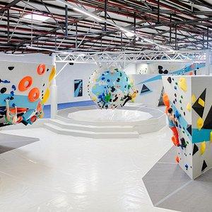 Die Boulderwelt Dortmund ist mit 3000 Quadratmeter Grundfläche die größte Boulderhalle Europas!