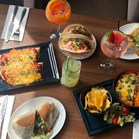 Family meals are great when they're @ Sabroso! Treat the family and reserve your table 01744 604479