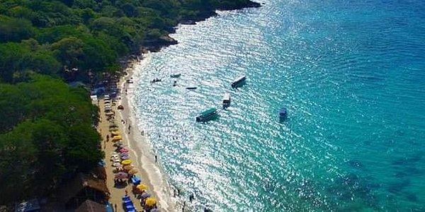 Playa Blanca Barú, un mágico lugar para visitar. Contactano: 300 2423051
