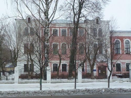 "Левое ""крыло"" здания семинарии"