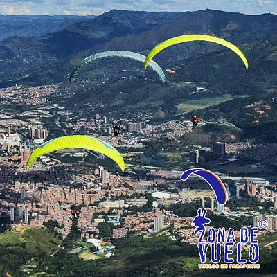 Paragliding in Medellin with certified pilots that will make you feel an unforgettable experience!