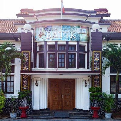 Gedung Museum Batik Pekalongan mengalami pembaharuan cat dan desain pilar