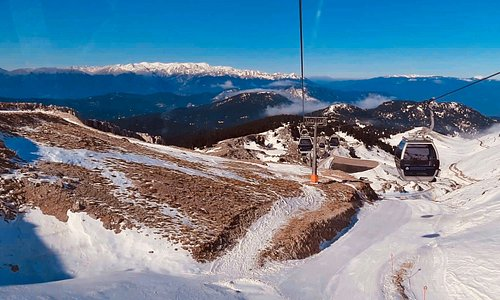 Our winter trip to Parnassos and high up view from cable car 🚠 🇬🇷  For more ℹ️: www.egtravel.gr