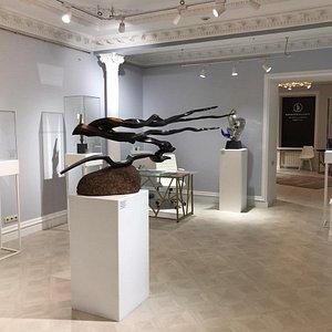 Жигжит Баясхаланов – автор, создающий эксклюзивные художественные ножи в национальном стиле, а также скульптуры, в которых заложен глубокий смысл.