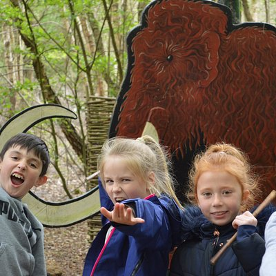 Hunt the mammoth as a Hunter-Gatherer on a Stone Age Day trip!